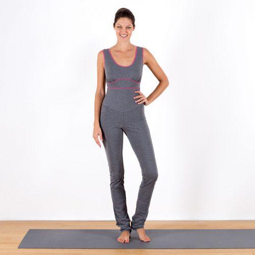 Yogaoverall Yogajumpsuit Jumpsuit hellgrau grau pink verschlusslos Baumwolljersey fair regional Niederbayern Yogakleidung