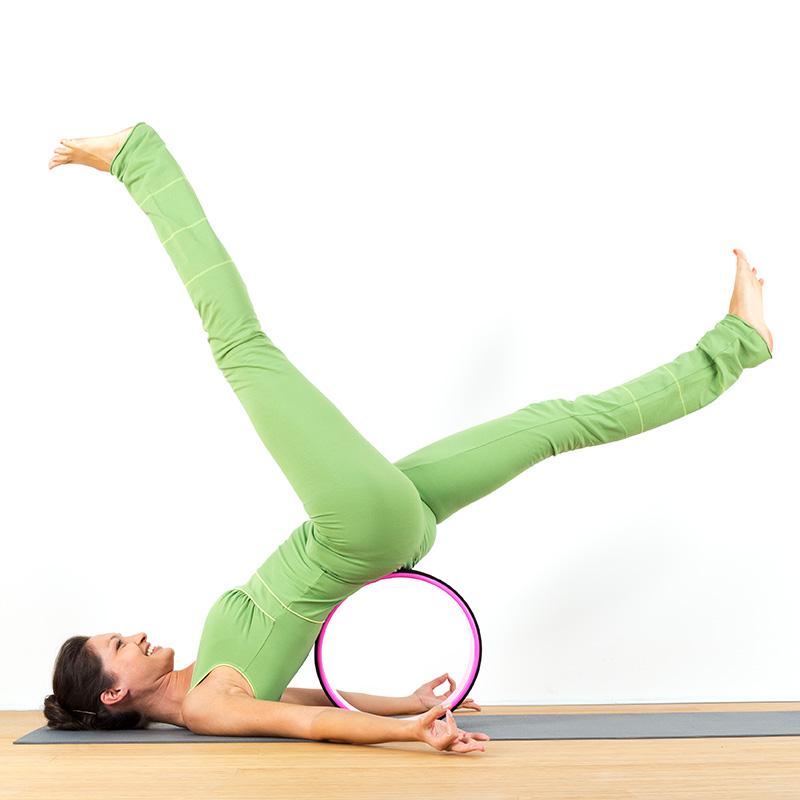 Yogaoverall Yogajumpsuit Jumpsuit hellgrün grün verschlusslos Baumwolljersey fair regional Niederbayern Yogakleidung Yogapose Schulterstand